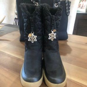 Juicy Couture Snowflake Snow Boots